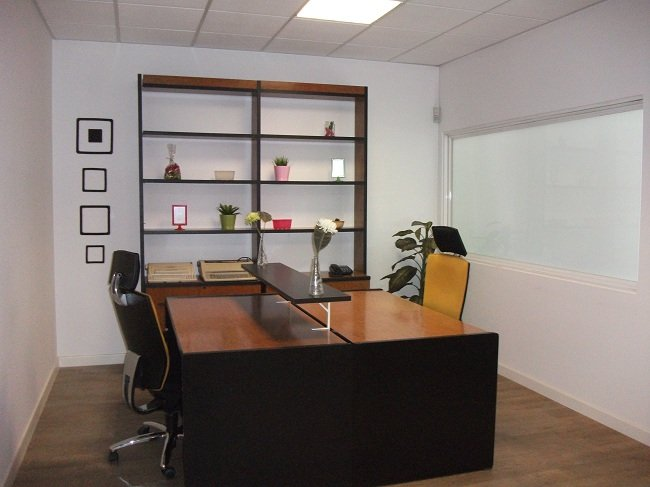 Oficina compartida desde 75 euros - Oficina empleo granada ...